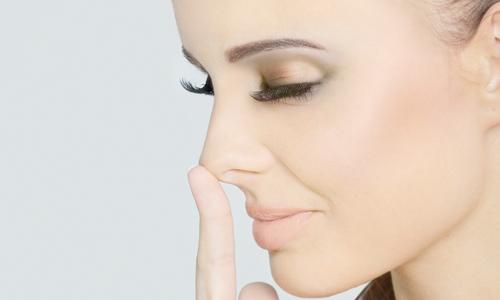 Уменьшение носа без операций