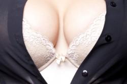 Специальное белье для увеличения груди