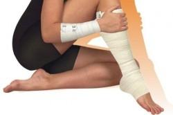 Обматывание ноги эластичным бинтом после операции при варикозе