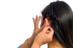 Использование корректора для ушей