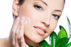 Использование лифтинг-крема для подтяжки кожи лица