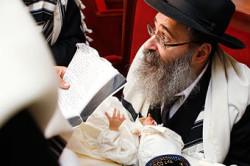 Обрезание крайней плоти из-за религиозных убеждений
