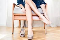 Неудобная обувь - причина развития гигромы