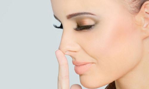 Нос после пластической операции